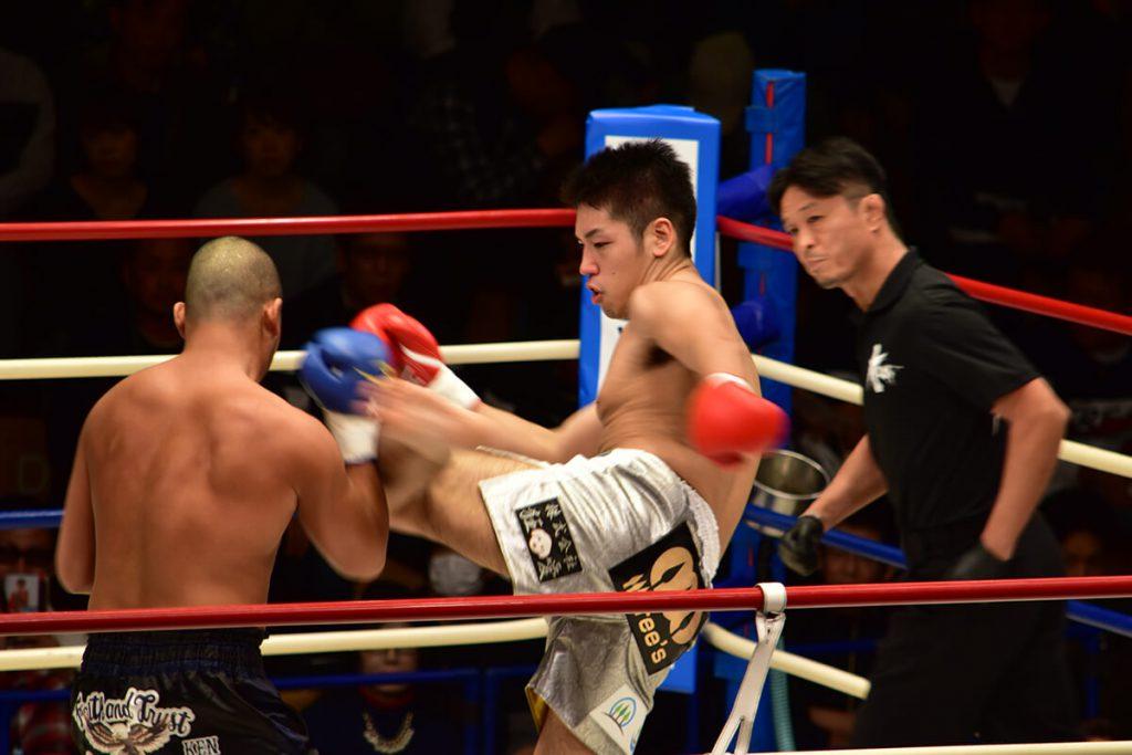 2017/11/5(日)Krush.82でひ乃木ケアリングサポートの社員杉本がOD・KEN選手に見事KO勝利しました